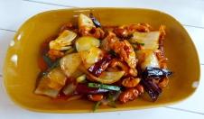 Hühnchen mit Cashew Nüssen (mild und aromatisch)