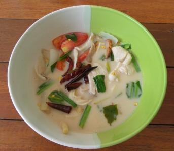 Tom Kha Gai; Hühnchen in Kokosmilch (Thailand auf der Zunge)