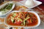 Scharfer Gurkensalat mit Erdnüssen (leicht und scharf)