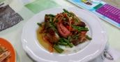rohe Bohnen mit knusprigen Schweinebauch