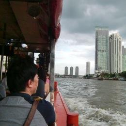 Wassertaxi auf dem Chao Phraya