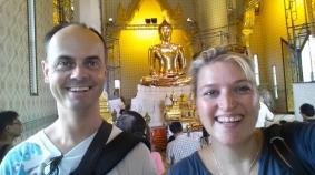 Tempel des Goldenen Buddha (Wat Traimit), Selfi vor dem goldenen Buddha