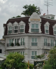 Schöne Häuser gibt es überall in der Stadt