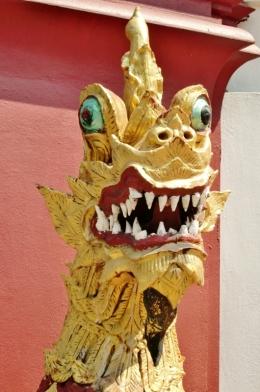 Drachen-Wächter vor einem Wat (wer hat da eigentlich Angst)