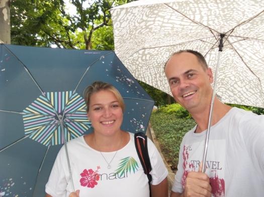 Und wozu hat man einen Schirm? Wir jedenfalls nicht für die Sonne :-)