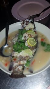 Pla Mueng Ma Nao; gedämpfter Fisch mit Limettensauce