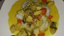 gelbes Curry mit Huhn und Gemüse (selber gekocht)