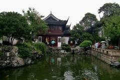 Besuch des Yuyuan-Garten. Eine kleine Oase mitten im Trubel der Großstadt