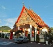 Auch auf Phuket gibt es einige Tempel.