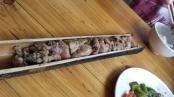 Hühnchen in Banbus gegart.