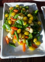 Leckeres Gemüse, die gelben Bohnen waren etwas bitter, aber total interessant.