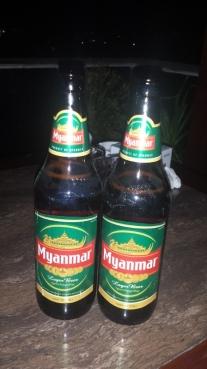 Das gute Myanmar Bier in ordentlich großen 666ml Flaschen