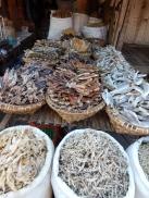 Fisch wird viel in getrocknetem Zustand angeboten.