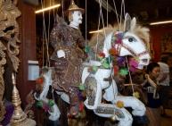 Marionetten werden in Myanmar hergestellt und in den berühmten Marionettentheatern des Landes vorgeführt.
