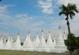 Die Sandamani Pagoda ab Fuß des Mandalay Hill beherbergt den größten eisernen Buddha des Landes.