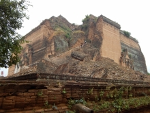 Ein Tagesausflug von Mandalay entfert, steht die Ruine der unvollendeten Mingun-Pagode.