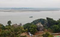Eine Besteigung der Ruine lohnt sich ebenfalls, da man einen schönen Blick auf den Irrawaddy und das Umland hat.
