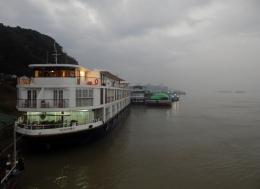 Nebel und Regen am Morgen in Mandalay.