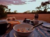 Frühstück beim Camping.