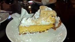 Kuchen gibt es in jedem Kaffee. Ich liebe Lemon Tarts!!!