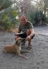 Jeder Hund wurde von Carsten gestreichelt und verwöhnt.