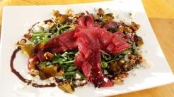Salat mit Springbock Carpaccio. War mit etwas zu streng.